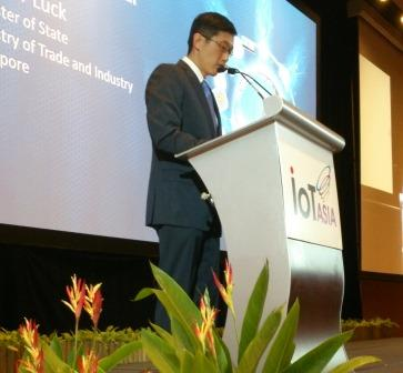 Singapore's Minister of State for Trade & Industry, Teo Ser Luck opens IoT Asia