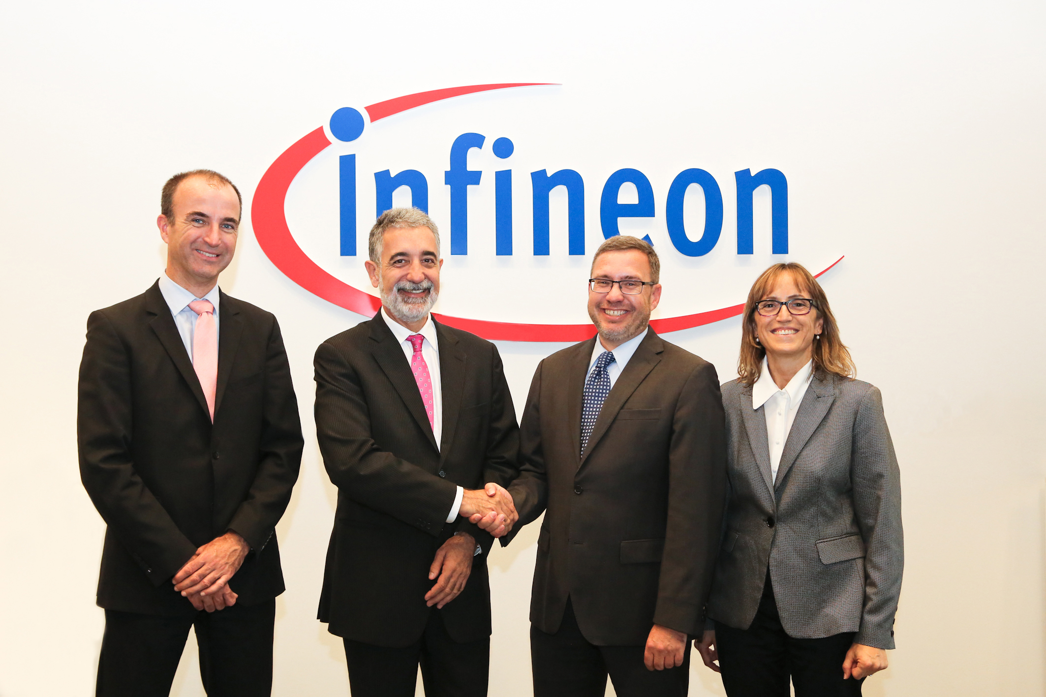 T-Mobilitat_ATM-selects-Infineon-securitychips
