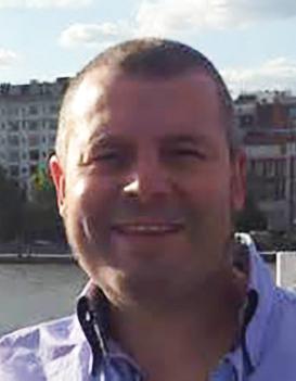 The author is Antony Savvas, a freelance IT & communications journalist