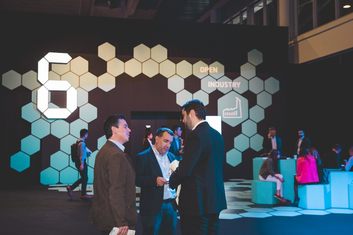 IoTSWC takes connectivity to the next level, including IoT, artificial intelligence and blockchain